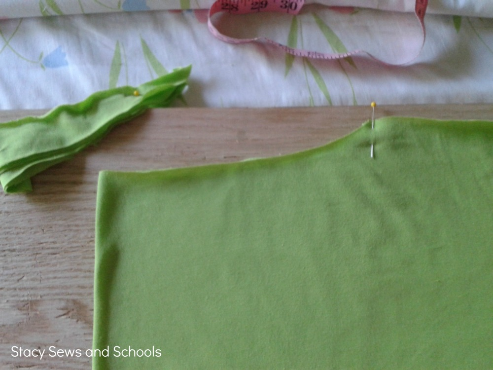 Knit Peasant Blouse and Gingham Capris Tutorial (5/6)