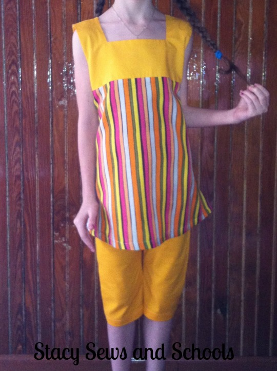 Sunshine Day Tunic and Clam Diggers 00300