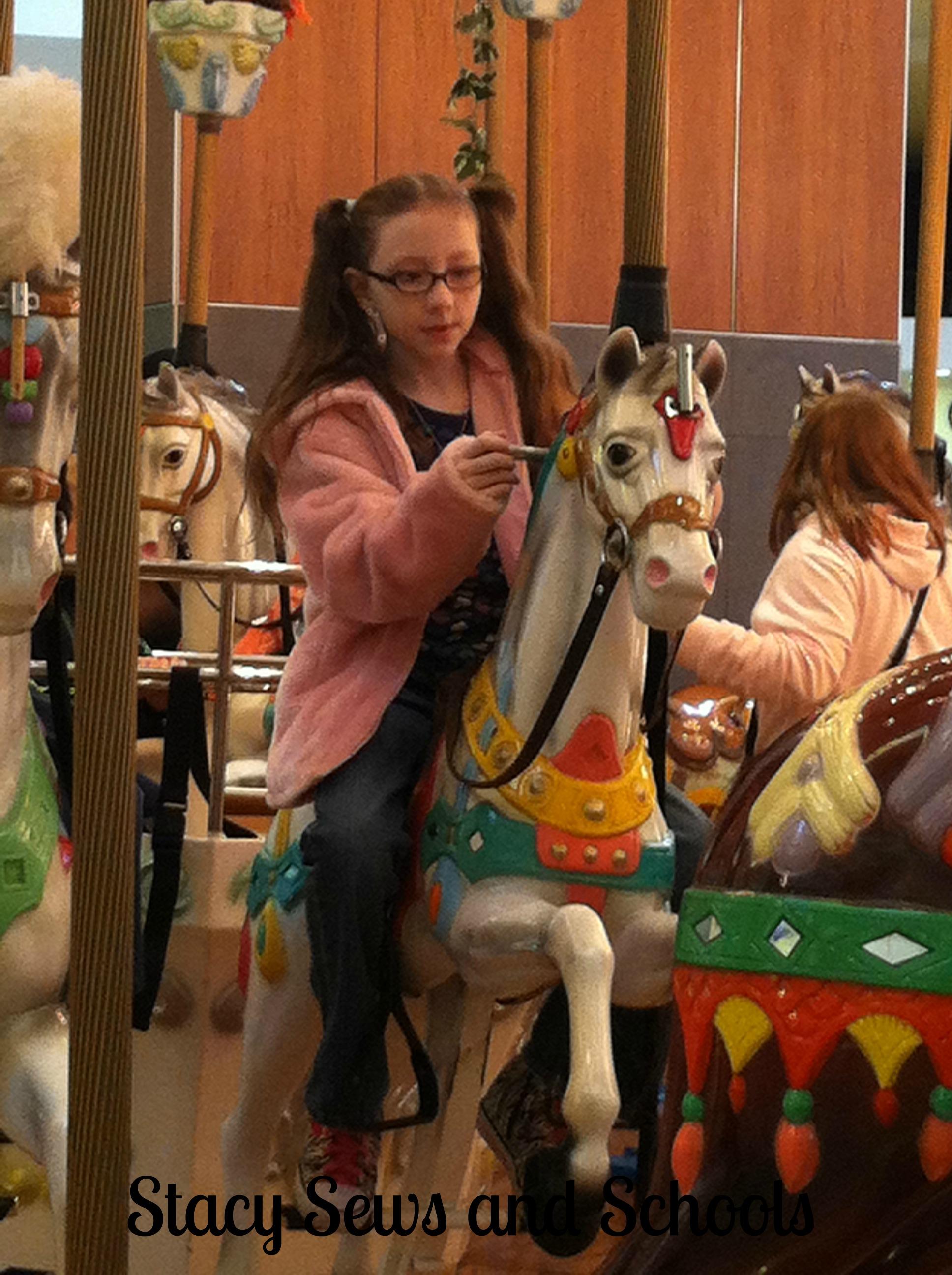 Carousel 011